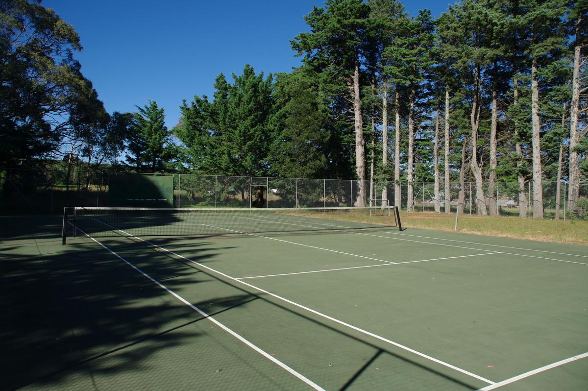Tennis at Majors Creek